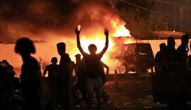Εικόνα από αντικυβερνητικές διαδηλώσεις στο Ιράκ