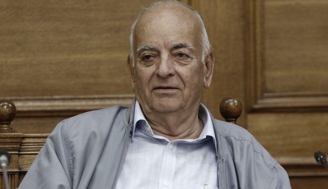 Πέθανε ο Γιάννης Θεωνάς, ιστορικό στέλεχος της Αριστεράς