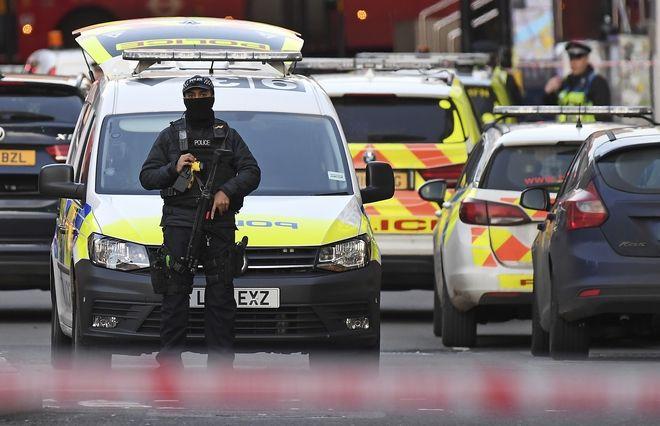 Πυροβολισμοί σε γέφυρα του Λονδίνου