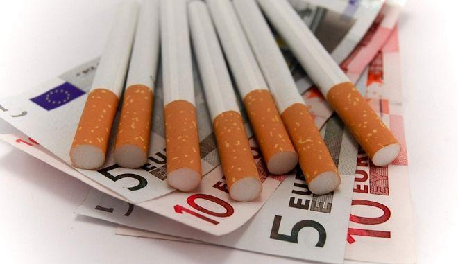 Ακριβαίνουν τσιγάρα και καπνός, για να μην πληρώνουμε εισιτήριο 25€ στα νοσοκομεία