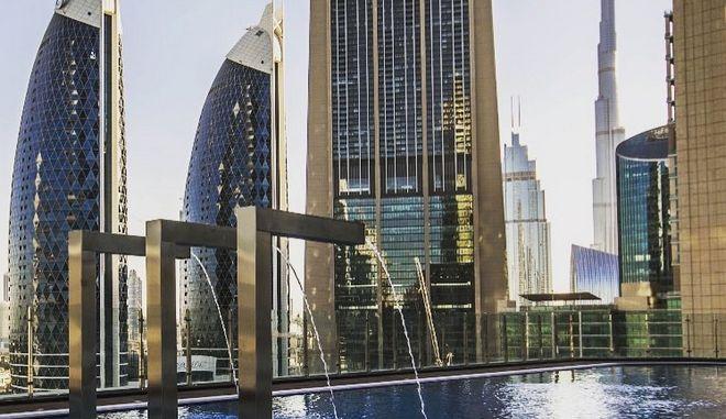 Το ψηλότερο ξενοδοχείο στον κόσμο μόλις άνοιξε στο Ντουμπάι