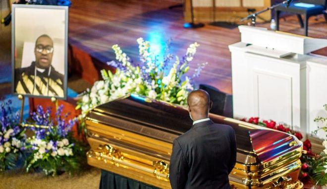 Στιγμιότυπο από την κηδεία του Τζορτζ Φλόιντ