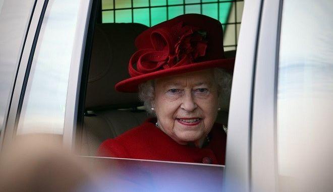 Δέκα άγνωστα πράγματα για τη ζωή της βασίλισσας Ελισάβετ