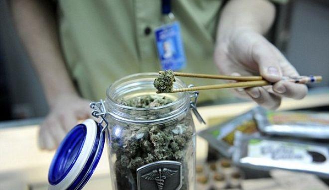 Ειδικοί κάδοι για μαριχουάνα στο αεροδρόμιο του Κολοράντο