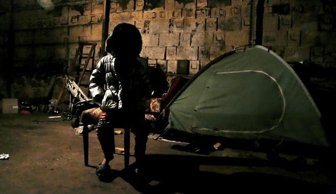 Εικόνα από το εσωτερικό του κέντρου φιλοξενίας στο στρατόπεδο Γερακινή στη Μαλακάσα (φωτό αρχείου)