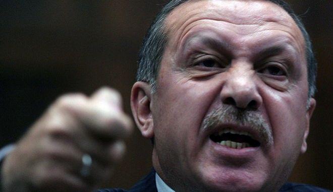 Ο Ερντογάν αποσύρει το νόμο-ντροπή για τους βιαστές ανηλίκων