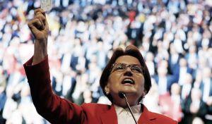 Η Meral Aksener δηλώνει έτοιμη να διακόψει την απόλυτη κυριαρχία του Erdogan, στις εκλογές της 24ης Ιουνίου (AP Photo/Burhan Ozbilici)