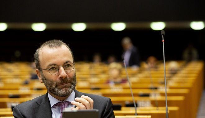 Ο Μάνφρεντ Βέμπερ στο ευρωκοινοβούλιο τον Μάρτιο του 2020