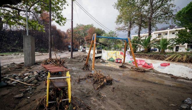 Πλημμύρες στο Αχλάδι στη βόρεια Εύβοια