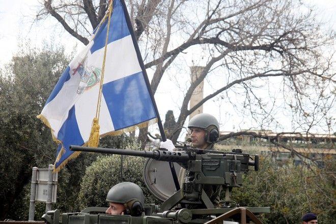 Στιγμιότυπο από την στρατιωτική παρέλαση για την εθνική επέτειο στην Αθήνα την Παρασκευή 25 Μαρτίου 2016. (EUROKINISSI/ΓΙΩΡΓΟΣ ΚΟΝΤΑΡΙΝΗΣ)