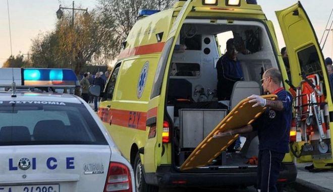 Σοβαρό τροχαίο στον Άγιο Αθανάσιο: Λεωφορείο ΚΤΕΛ έπεσε σε κιγκλιδώματα - 12 τραυματίες