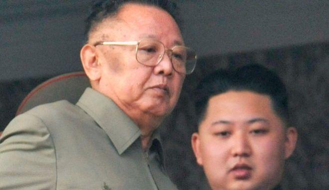 Απέδρασε από την Πιονγιάνγκ και εκθέτει τον πατέρα του Κιμ Γιονκ Ουν