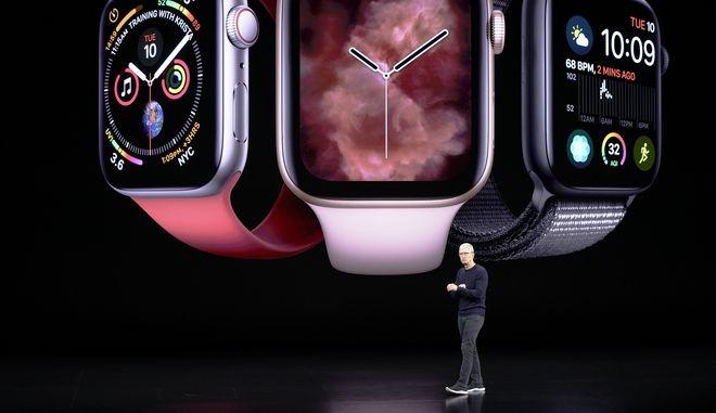Ο CEO της Apple Tim Cook παρουσιάζει το νέο Apple watch