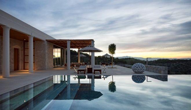 Αυτό είναι το ελληνικό ξενοδοχείο που ψηφίστηκε ως ένα από τα καλύτερα του κόσμου