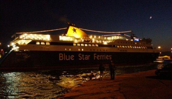 """Το πρώτο πλοίο που """"έπιασε"""" λιμάνι με τις ευχές Βαρβιτσιώτη"""