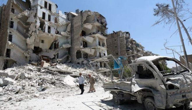 Συμφωνία για απεγκλωβισμό Σύρων ανταρτών και 300 οικογενειών στα σύνορα με το Λίβανο