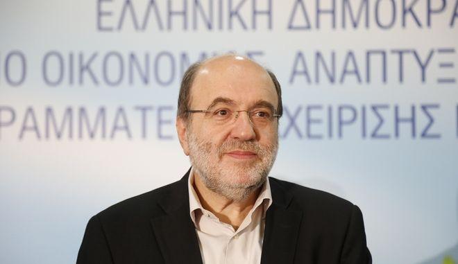 Ο Τρύφων Αλεξιάδης