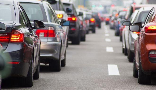 """Κίνηση στους δρόμους: Στα """"κόκκινα"""" ο Κηφισός - LIVE ΧΑΡΤΗΣ"""