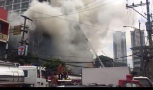 Τραγωδία στις Φιλιππίνες: Τέσσερις νεκροί από φωτιά σε ξενοδοχείο στην Μανίλα