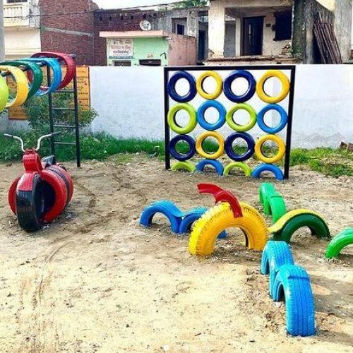 Νεαρή αρχιτέκτονας χρησιμοποιεί παλιά ελαστικά για να φτιάξει παιδικές χαρές