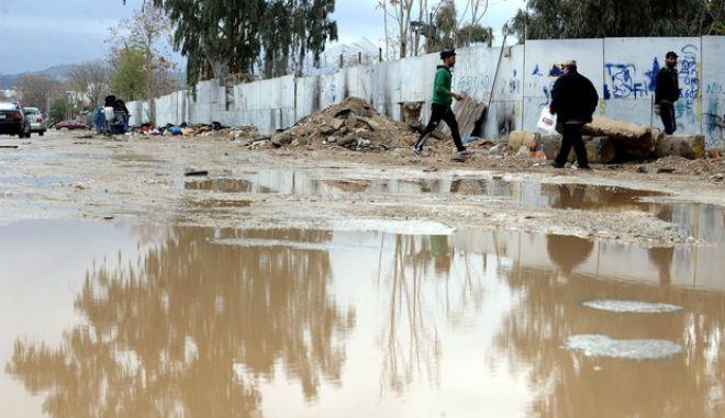 Προβλήματα απο πλημμυρες σε δρομους, ισογεια και υπόγεια σπιτια σε περιοχές της Αθήνας,  από τη χθεσινοβραδυνη καταιγίδα, Κυριακή 27 Νοεμβρίου 2016. (EUROKINISSI/ΓΙΑΝΝΗΣ ΠΑΝΑΓΟΠΟΥΛΟΣ)