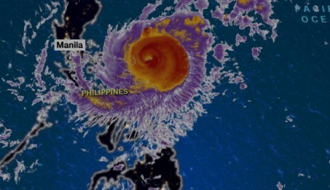 Φιλιππίνες: Τυφώνας σαρώνει τη χώρα. Χιλιάδες εγκαταλείπουν τις εστίες τους