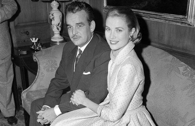 Η Γκρέις Κέλι με τον σύζυγό της, πρίγκιπα Ρενιέ Γ' το 1956