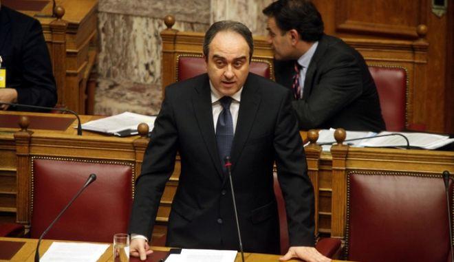 Ο υφυπουργός Ανάπτυξης Θανάσης Σκορδας κατα την συζήτηση επίκαιρων ερωτήσεων την Δευτέρα 17 Δεκεμβρίου 2012.  (EUROKINISSI/ΓΙΩΡΓΟΣ ΚΟΝΤΑΡΙΝΗΣ)