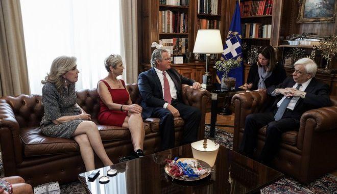 Συνάντηση του Προέδρου της Δημοκρατίας Προκόπη Παυλόπουλου με την Πρόεδρο του Ιδρύματος Robert Kennedy κα Kerry Kennedy και την Πρόεδρο του Συλλόγου Ελπίδα κα Μαριάννα Βαρδινογιάννη