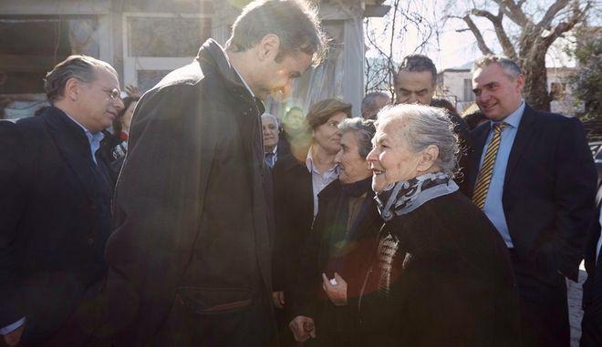 Μητσοτάκης για γιαγιά Μαρίτσα: Έγινε η εικόνα της ανθρωπιάς των Ελλήνων