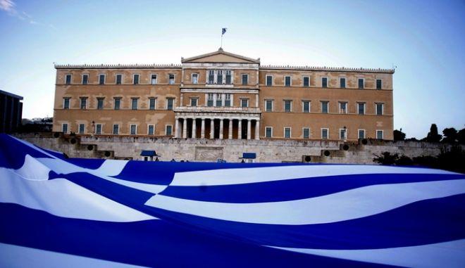 3-9-2011-ΑΘΗΝΑ-Οι Αγανακτισμένοι ξανά στο Σύνταγμα .(EUROKINISSI-ΚΩΣΤΑΣ ΚΑΤΩΜΕΡΗΣ)