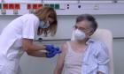 """Τσιόδρας μετά τον εμβολιασμό: """"Δεν είναι το τέλος ακόμα. Να είμαστε προσεκτικοί"""""""