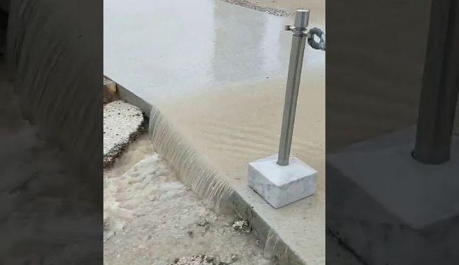 """ΥΠΠΟΑ για πλημμύρες στην Ακρόπολη: """"Δημιουργούνται τουλάχιστον από το 2013"""""""
