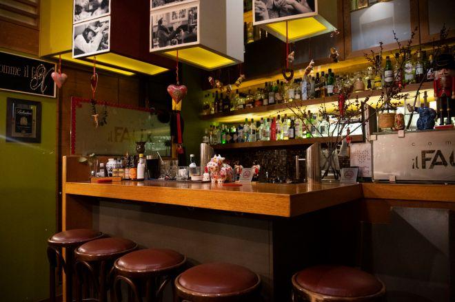 Στις ταβέρνες και τα μπαρ συρρέουν πλέον μόνο λογαριασμοί