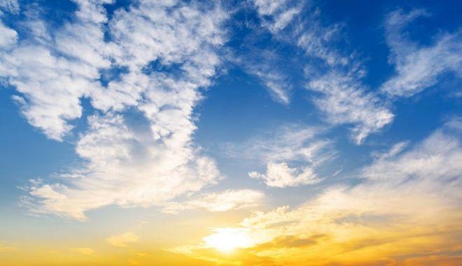 Ηλιοφάνεια και υψηλές θερμοκρασίες το τριήμερο