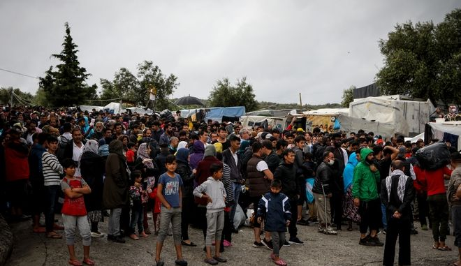 Μεταφρορά προσφύγων και μεταναστών από το ΚΥΤ της Μόριας