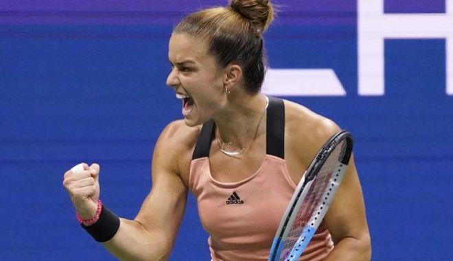 Η Μαρία Σάκκαρη πανηγυρίζει τη νίκη επί της Αντρεέσκου