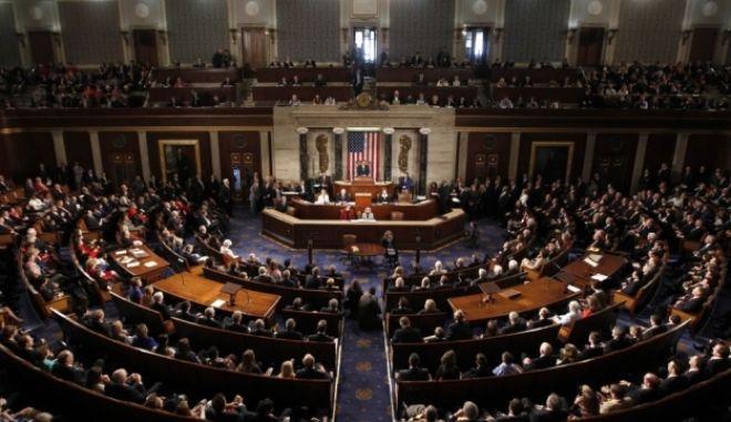 Οι Ρεπουμπλικανοί διατηρούν την πλειοψηφία στη Γερουσία