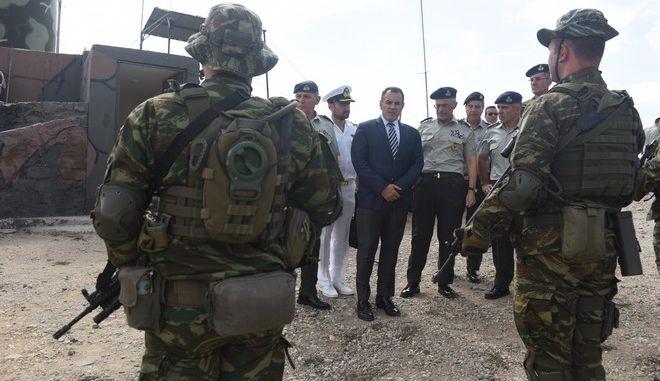 Ο Υπουργός Εθνικής Άμυνας κ. Νικόλαος Παναγιωτόπουλος