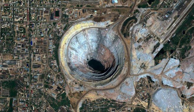 Φωτογραφίες από δορυφόρο, που μοιάζουν με έργα τέχνης