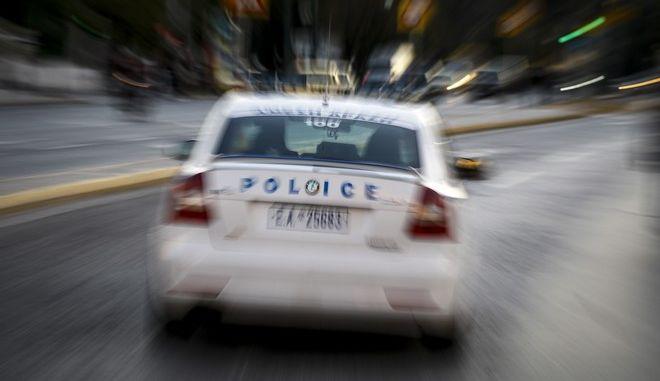 Συνέλαβαν 40χρονο για ψεύτικες φοιτητικές τηλεφωνικές συνδέσεις