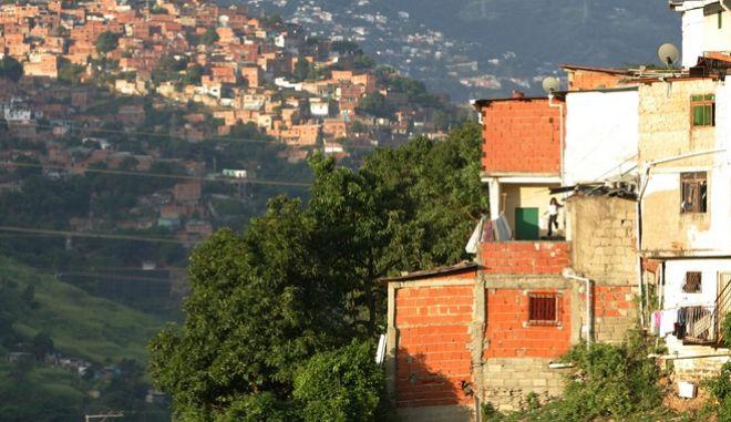 Εικόνα από γειτονιά του Καράκας, πρωτεύουσας της Βενεζουέλας