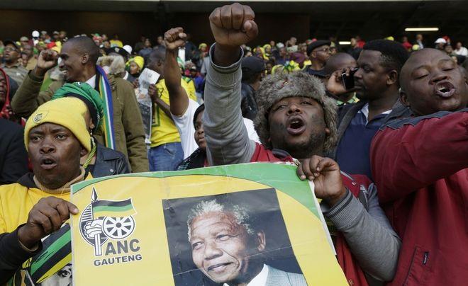 Το πλήθος στην κηδεία του Μαντέλα, 2008