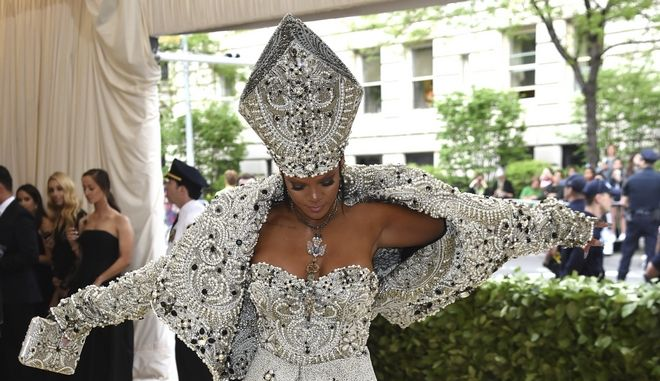 Η εμφάνιση της Rihanna στο MET