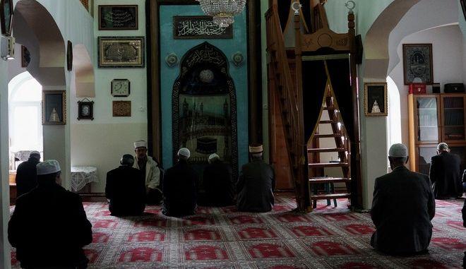 Προσευχή μουσουλμάνων σε ταζμί σε χωριό της Ξάνθης