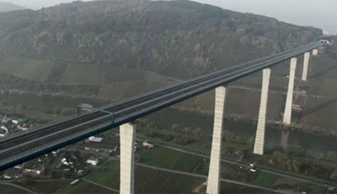 H γέφυρα Χοχμοζέλ.