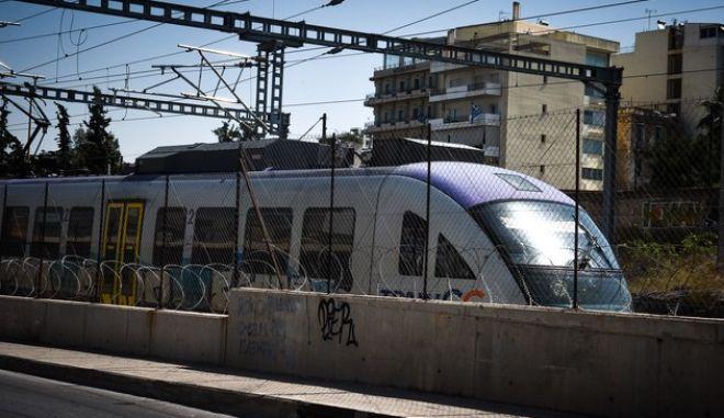 Συρμός του προαστιακού σιδηροδρόμου