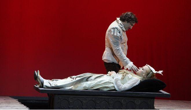 """Ο """"Ερωτευμένος Σαίξπηρ"""" του Κακλέα δεν θέλει να είναι αναμενόμενος"""