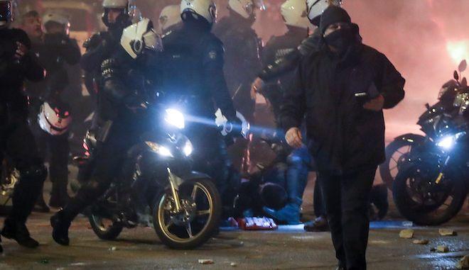 Τραυματισμένος αστυνομικός κατά τα επεισόδια στην Νέα Σμύρνη, 9 Μαρτίου 2021