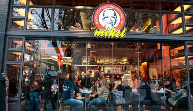 Mikel: Πόσα καταστήματα θα ανοίξουν ακόμη στην Ελλάδα